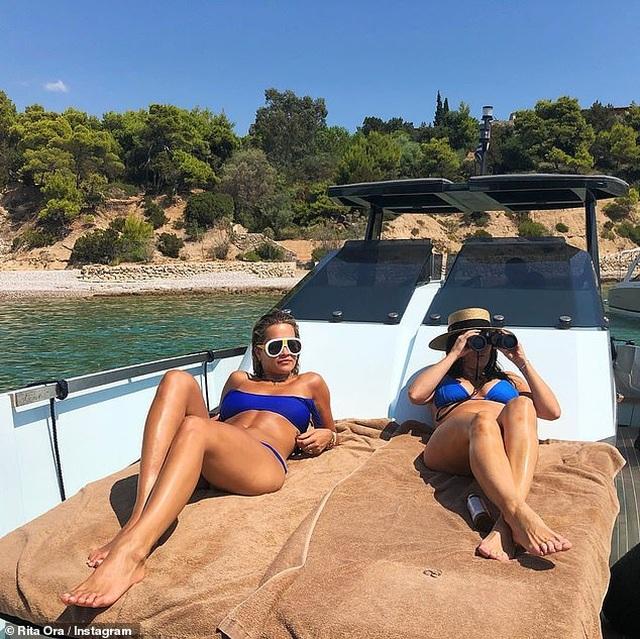 Rita Ora khoe ảnh bikini trong kỳ nghỉ tại Hi Lạp - 5