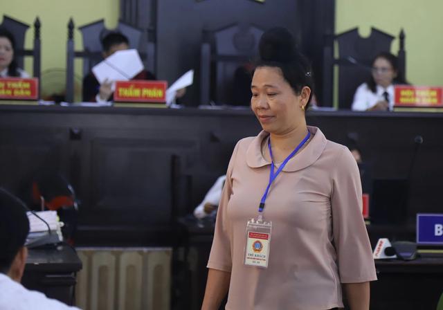 Xử vụ gian lận thi ở Sơn La: Phụ huynh đầu tiên nhận đưa tiền để chạy điểm cho con - 1