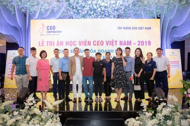 Học viên tri ân giảng viên Học viện CEO Việt Nam - 1