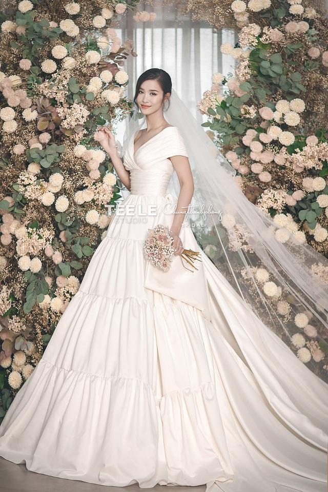 Đông Nhi - Ông Cao Thắng khoe ảnh cưới ngọt ngào - 2