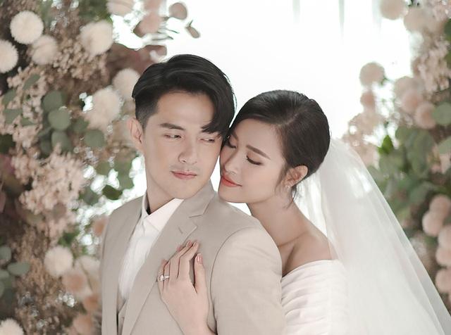 Đông Nhi - Ông Cao Thắng khoe ảnh cưới ngọt ngào - 4