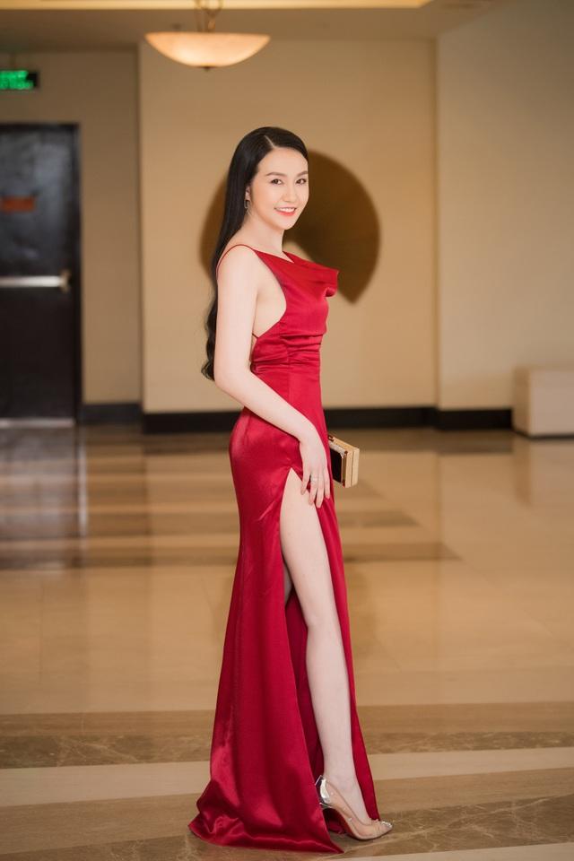 Á hậu Tường San được Đỗ Mỹ Linh, Huyền My chia sẻ trước thi Hoa hậu Quốc tế - 15