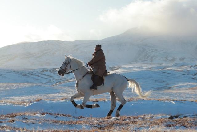 Thông điệp từ màn cưỡi ngựa trắng trên núi thiêng của ông Kim Jong-un - 1