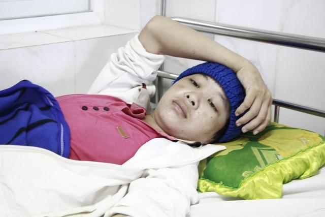 Mẹ u não, bé gái HMông 12 tuổi phải nghỉ học giữa chừng - 5