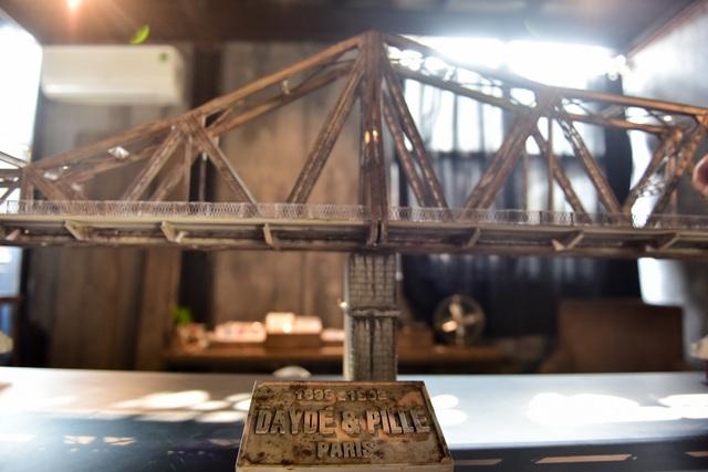 Chiêm ngưỡng mô hình cầu Long Biên thu nhỏ được làm trong 500 giờ - 6