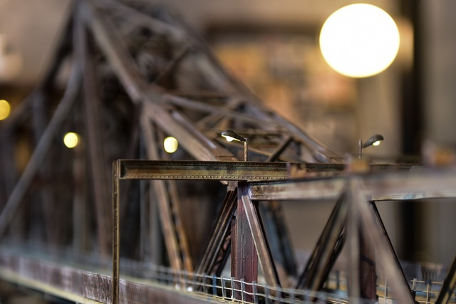 Chiêm ngưỡng mô hình cầu Long Biên thu nhỏ được làm trong 500 giờ - 5