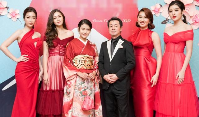 Á hậu Tường San được Đỗ Mỹ Linh, Huyền My chia sẻ trước thi Hoa hậu Quốc tế - 13