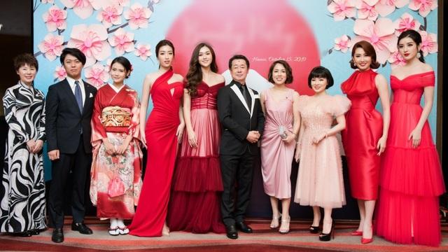 Á hậu Tường San được Đỗ Mỹ Linh, Huyền My chia sẻ trước thi Hoa hậu Quốc tế - 4