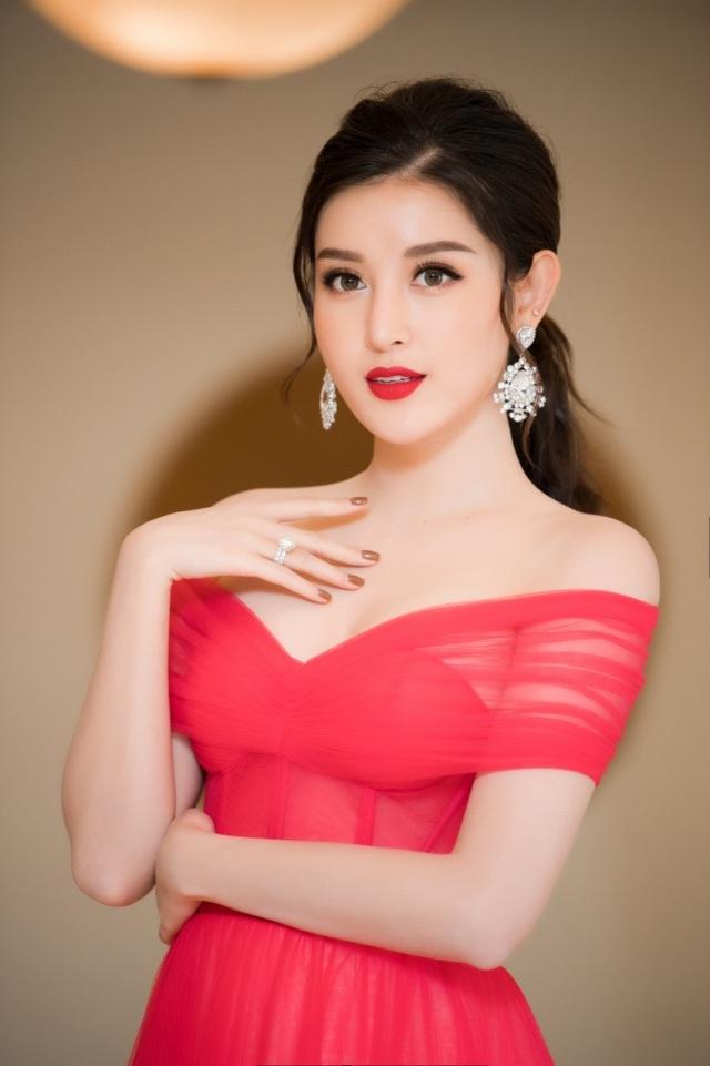 Á hậu Tường San được Đỗ Mỹ Linh, Huyền My chia sẻ trước thi Hoa hậu Quốc tế - 7