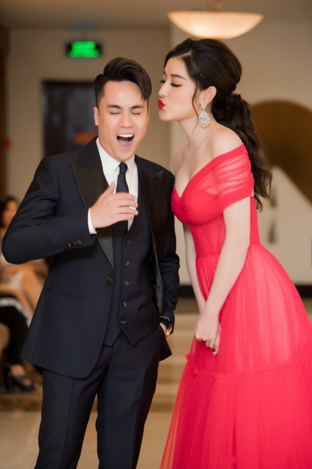 Á hậu Tường San được Đỗ Mỹ Linh, Huyền My chia sẻ trước thi Hoa hậu Quốc tế - 18