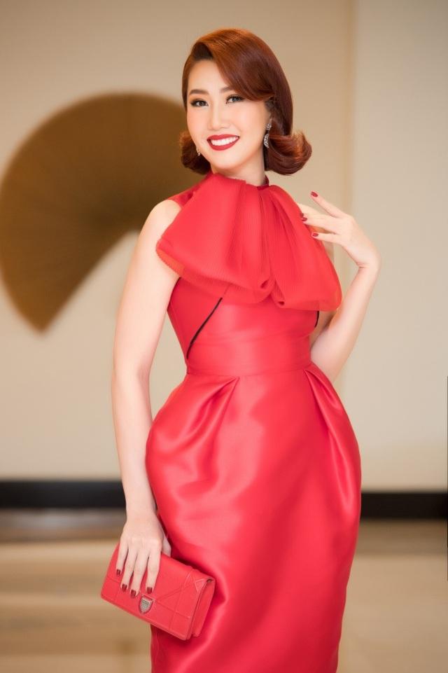 Á hậu Tường San được Đỗ Mỹ Linh, Huyền My chia sẻ trước thi Hoa hậu Quốc tế - 12