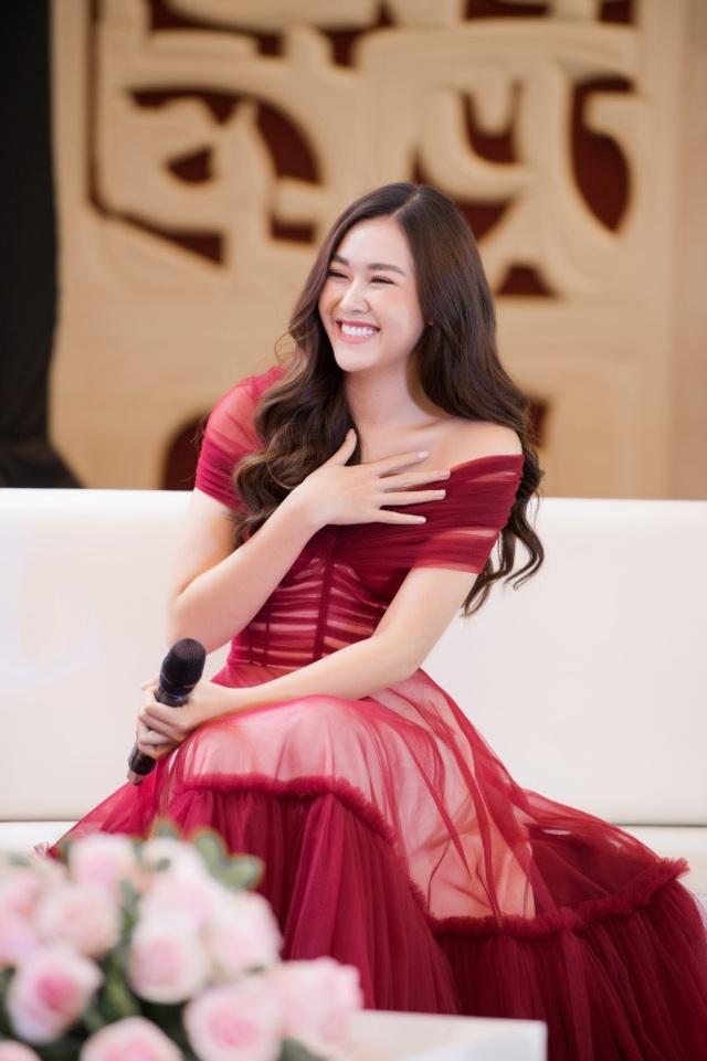 Á hậu Tường San được Đỗ Mỹ Linh, Huyền My chia sẻ trước thi Hoa hậu Quốc tế - 11