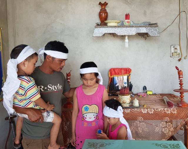 Mẹ mất sớm, 3 đứa trẻ thơ dại mờ mịt tương lai! - 2