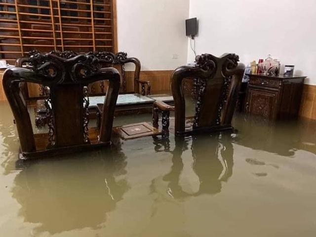 40 năm qua chưa từng chứng kiến trận ngập lụt kinh hoàng như thế - 16