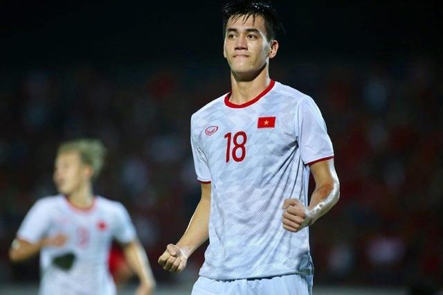 Thắng Malaysia và Indonesia, đội tuyển Việt Nam tăng 2 bậc trên bảng xếp hạng FIFA - 1
