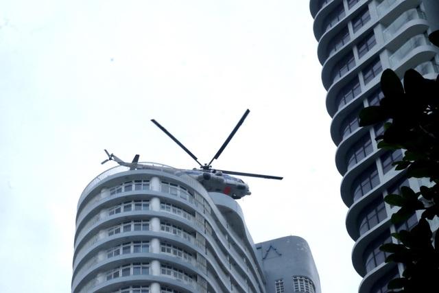 Trực thăng tham gia diễn tập phòng cháy chữa cháy ở Đà Nẵng - 9