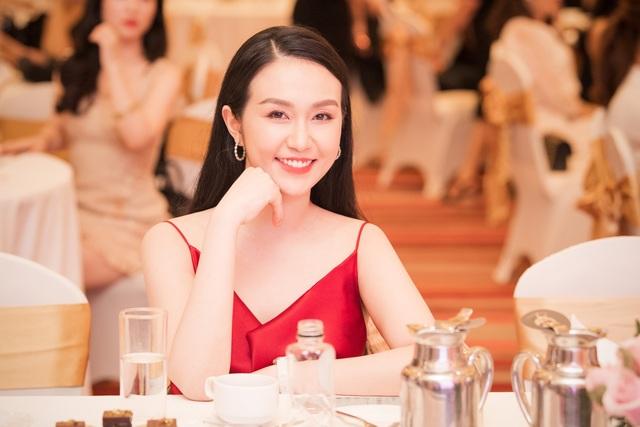 Á hậu Tường San được Đỗ Mỹ Linh, Huyền My chia sẻ trước thi Hoa hậu Quốc tế - 16