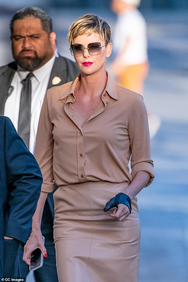 Charlize Theron không cần vú em để trông con - 2