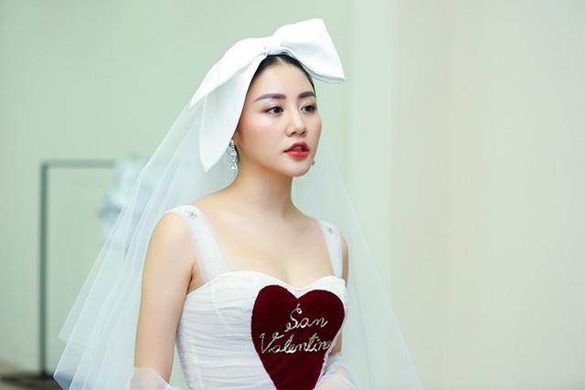 Văn Mai Hương bất ngờ khoe giấy đăng ký kết hôn - 4