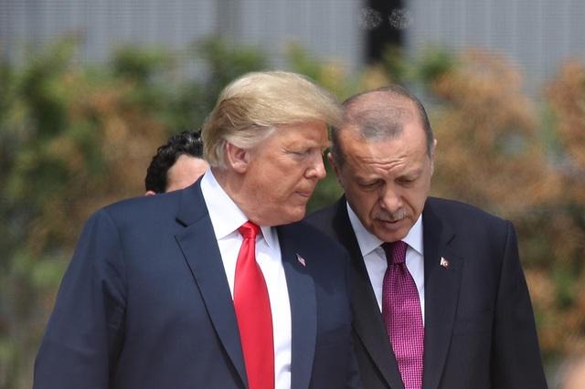 """Ông Trump khuyên Tổng thống Thổ Nhĩ Kỳ đừng """"cứng đầu"""" - 1"""