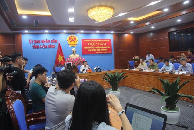 """Lãnh đạo Công ty nước sạch Sông Đà từ chối xin lỗi, nói """"chúng tôi thiệt hại nhất"""" (!) - 1"""