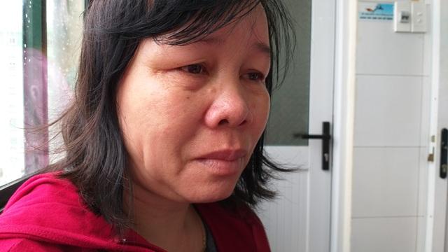 Người đàn ông bị cổng làng sập đè suýt chết, vợ đột quỵ khi chăm chồng - 7