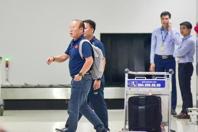 Đội tuyển Việt Nam về tới Hà Nội sau trận đại thắng Indonesia - 1