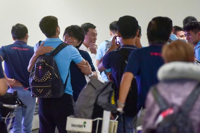 Đội tuyển Việt Nam về tới Hà Nội sau trận đại thắng Indonesia - 3