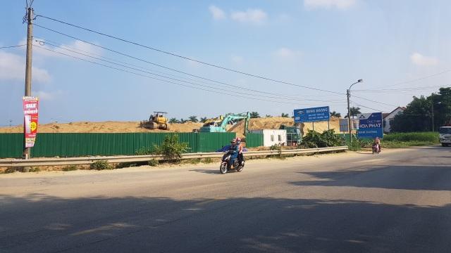 Núi cát trái phép trên đất dự án được tỉnh Quảng Ngãi ưu ái gia hạn tồn tại? - 1