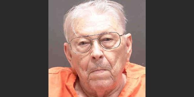 Cụ ông 94 tuổi giết vợ 80 tuổi - 1