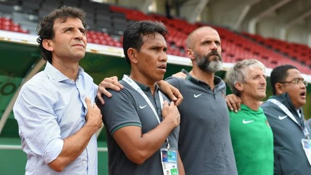 HLV Luis Milla sẵn sàng giảm lương để quay lại nắm đội tuyển Indonesia - 1