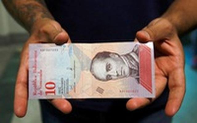 Venezuela tăng gần 4 lần lương tối thiểu đối phó siêu lạm phát - 1