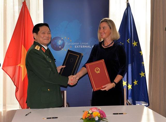 Việt Nam và EU tăng cường hợp tác quốc phòng và an ninh - 1