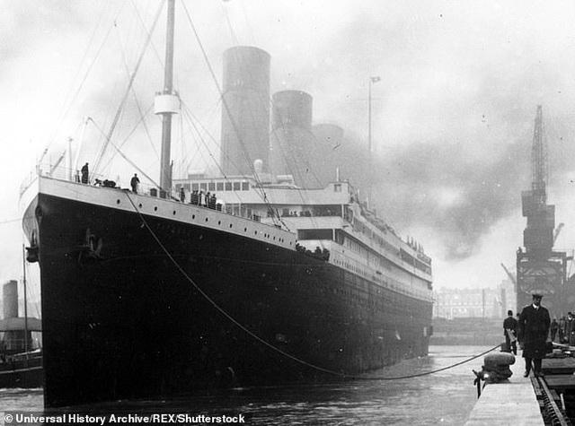 Cây gậy phát sáng giúp cứu mạng chủ nhân trên tàu Titanic có giá 3,5 tỷ đồng - 3