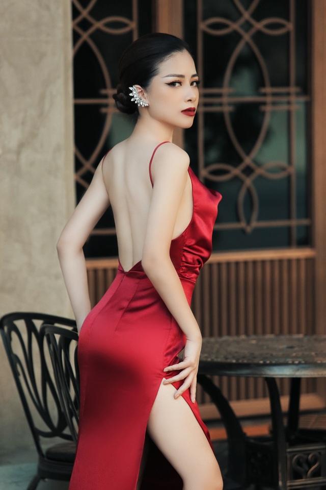 Dương Hoàng Yến diện váy sexy, khoe lưng trần gợi cảm - 7