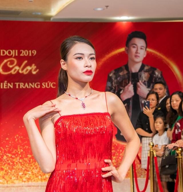 Hiếm khi hội ngộ fan Hà Nội, Dương Triệu Vũ  diễn hết mình tại DOJI Tower - 6