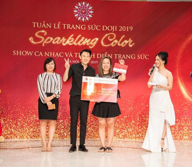 Hiếm khi hội ngộ fan Hà Nội, Dương Triệu Vũ  diễn hết mình tại DOJI Tower - 7
