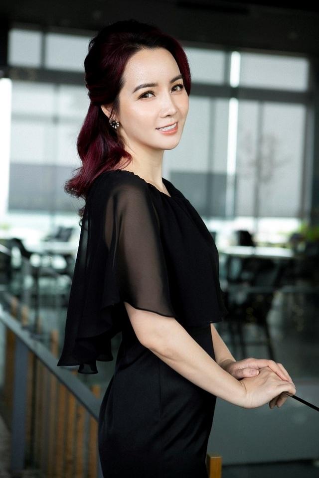 """CEO Mai Thu Huyền: """"Phụ nữ quyến rũ nhất khi không ngừng học hỏi"""" - 1"""