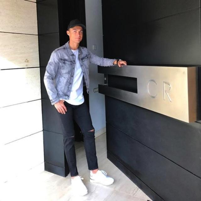 """Ngắm những ngôi nhà tuyệt đẹp của """"ông trùm"""" C.Ronaldo - 2"""