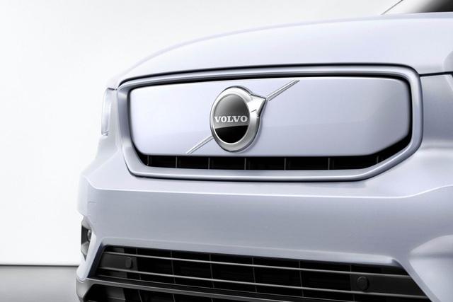 Volvo ra mắt XC40 hoàn toàn chạy điện - 2