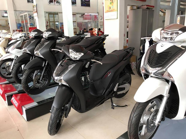 Xe máy đồng loạt tăng giá, chênh cao nhất 17 triệu đồng - 2