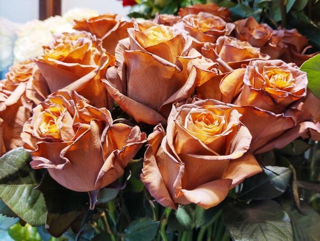 """Lộ diện bình hoa """"khủng"""" tặng chị em ngày 20/10 trị giá 60 triệu đồng - 2"""