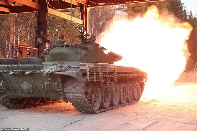 Bên trong nhà máy sản xuất siêu tăng huyền thoại của Nga - 6
