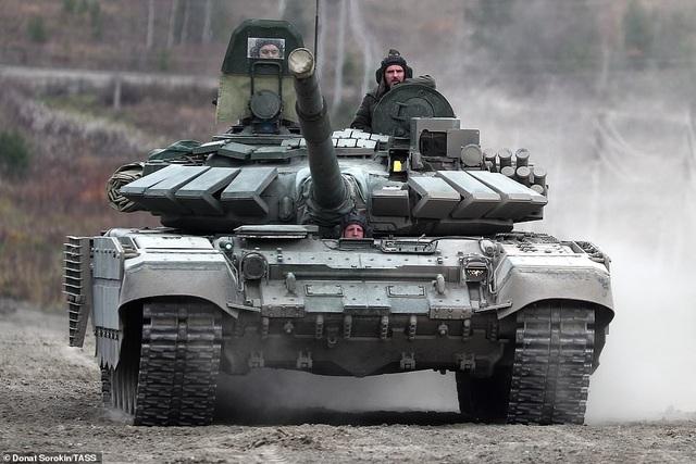 Bên trong nhà máy sản xuất siêu tăng huyền thoại của Nga - 8