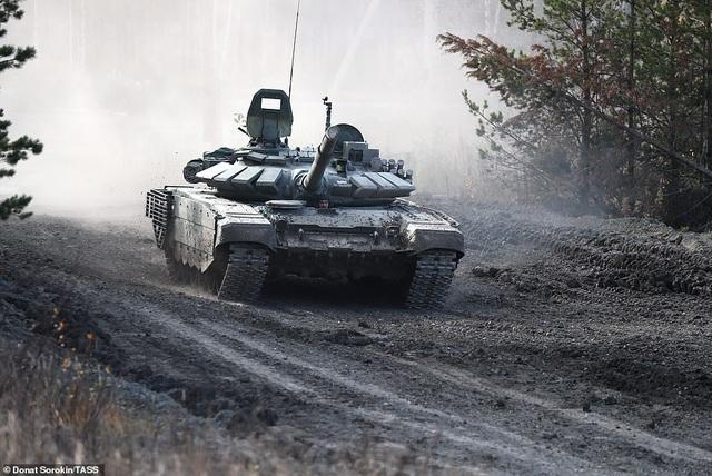 Bên trong nhà máy sản xuất siêu tăng huyền thoại của Nga - 5