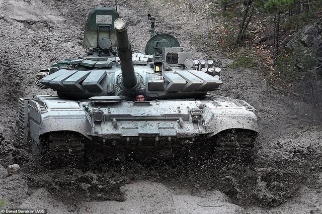 Bên trong nhà máy sản xuất siêu tăng huyền thoại của Nga - 4