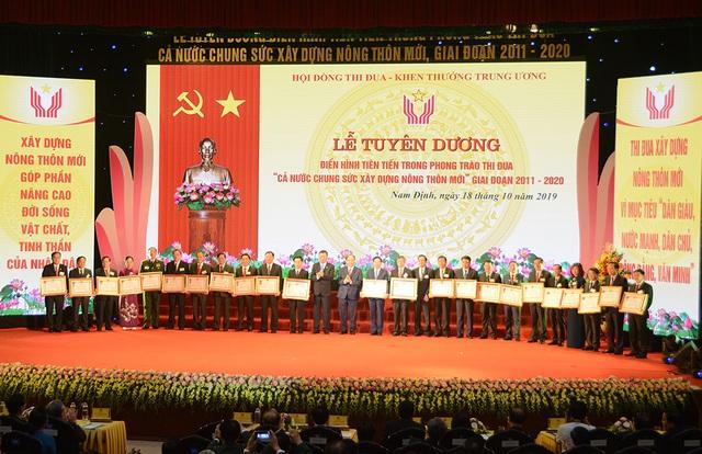 EVN đón nhận Huân chương Lao động hạng nhất vì những đóng góp cho chương trình xây dựng nông thôn mới - 2
