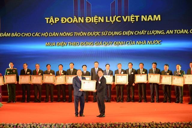 EVN đón nhận Huân chương Lao động hạng nhất vì những đóng góp cho chương trình xây dựng nông thôn mới - 1