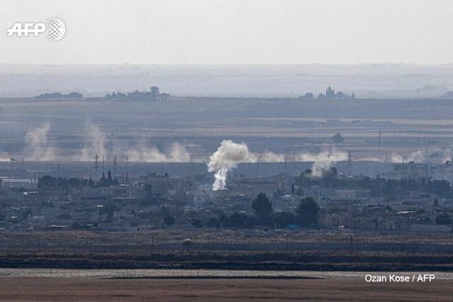 """Thổ Nhĩ Kỳ bị """"tố"""" vi phạm lệnh ngừng bắn, tiếp tục tấn công người Kurd tại Syria - 1"""