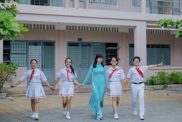 Cô hiệu phó mở lớp dạy kỹ năng sống miễn phí cho học sinh - 3